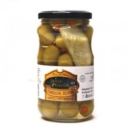 Grüne gefüllte Oliven mit...
